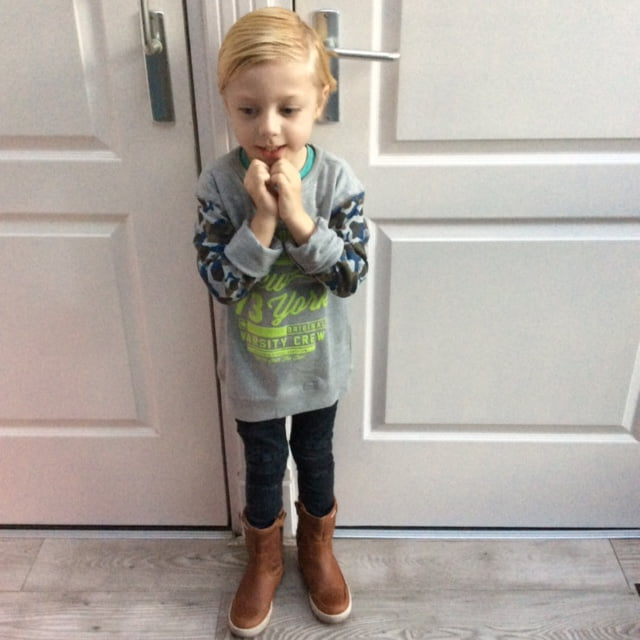 Milans outfits #36