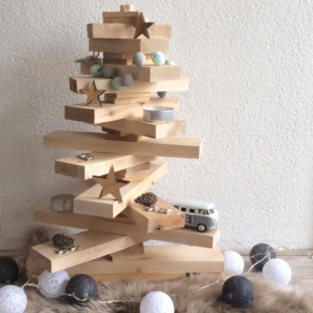 Mama blogger de houten kerstboom van action for Mini kerstboom action