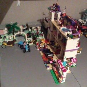 Mama blogger serieuze lego verslaving hier in huis - Tafel lang eiland huis van de wereld ...