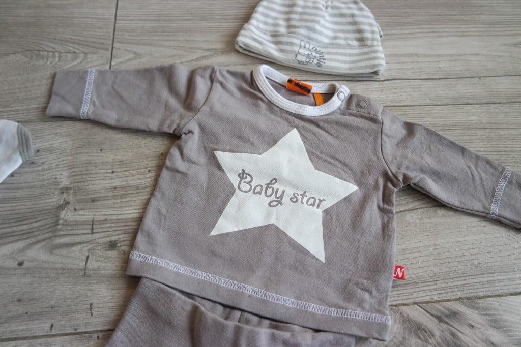 eerste-babykleertjes-Milan-mama blogger-mama-blog-baby-