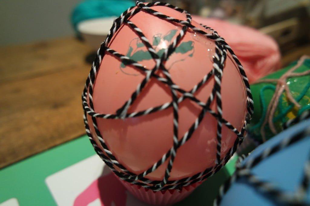 Cotton ball paaseieren-diy-budget-mama blog-mama blogger-Action-1