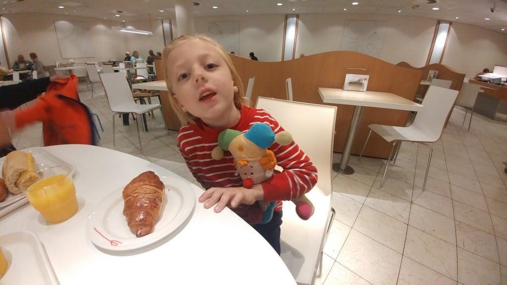 ontbijt_hema_review_uitje_kinderen_ budget_mamablogger_
