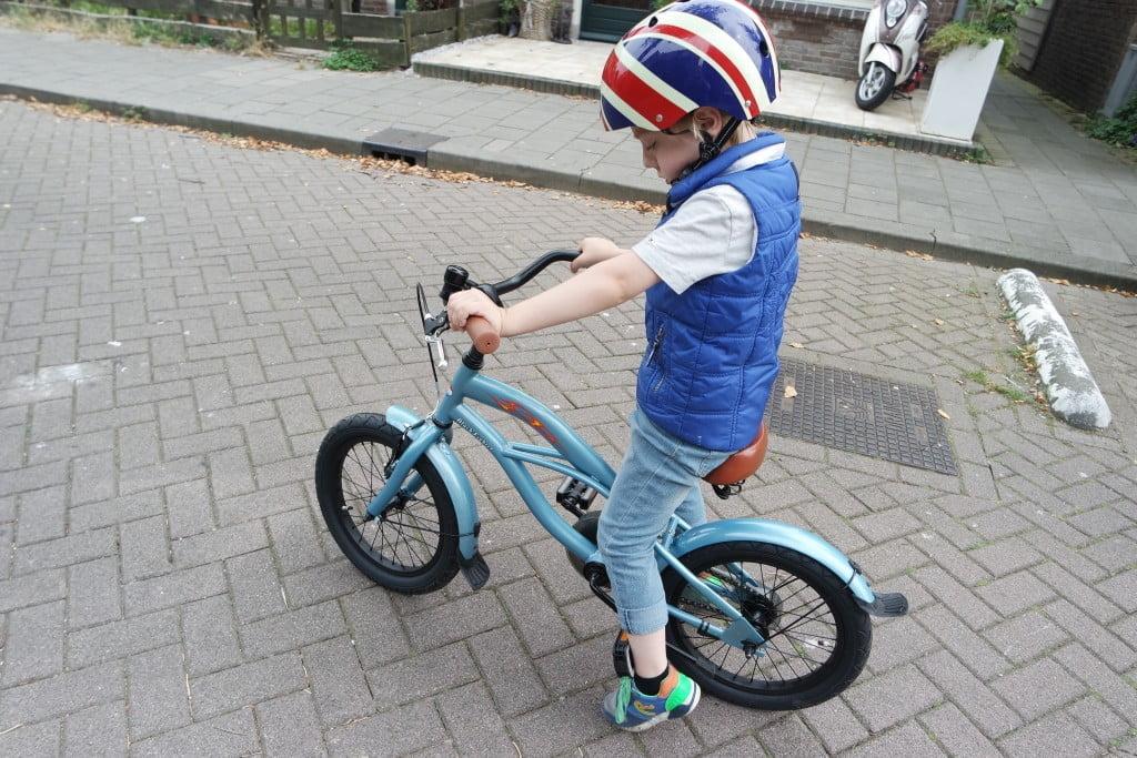 nieuwe fiets_fietsen op fietsen_school_inchmaat_mamablogger_