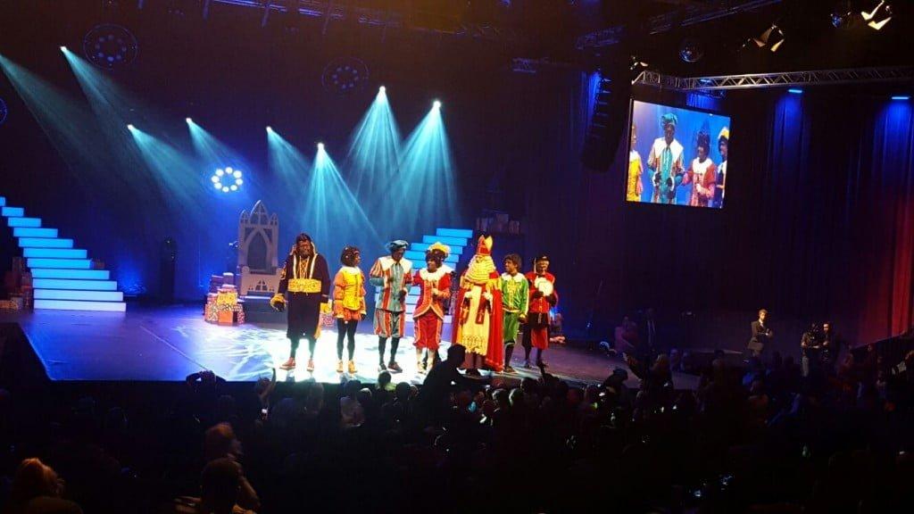 grote club van Sinterklaasfeest_verslag_Ahoy_Rotterdam_review_2016_sinterklaas_