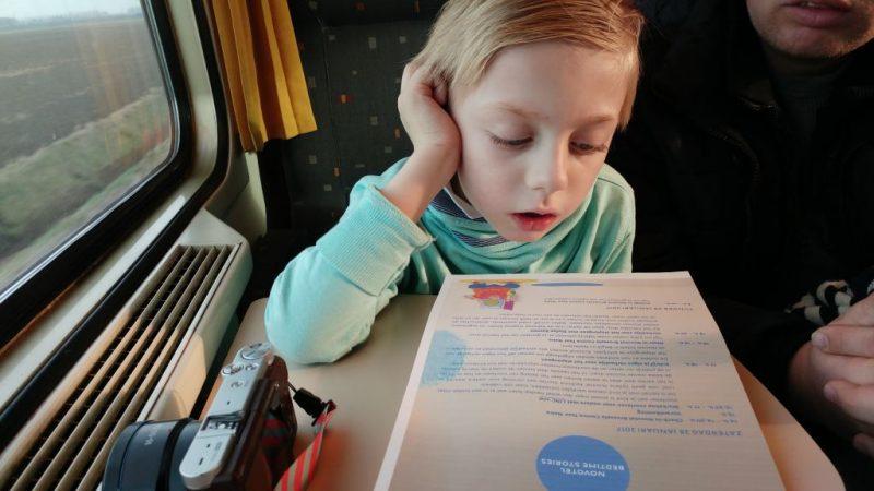 novotel bedtime stories_Brussel_mamablogger_weekendje weg_trein_voorlezen_persreisje_