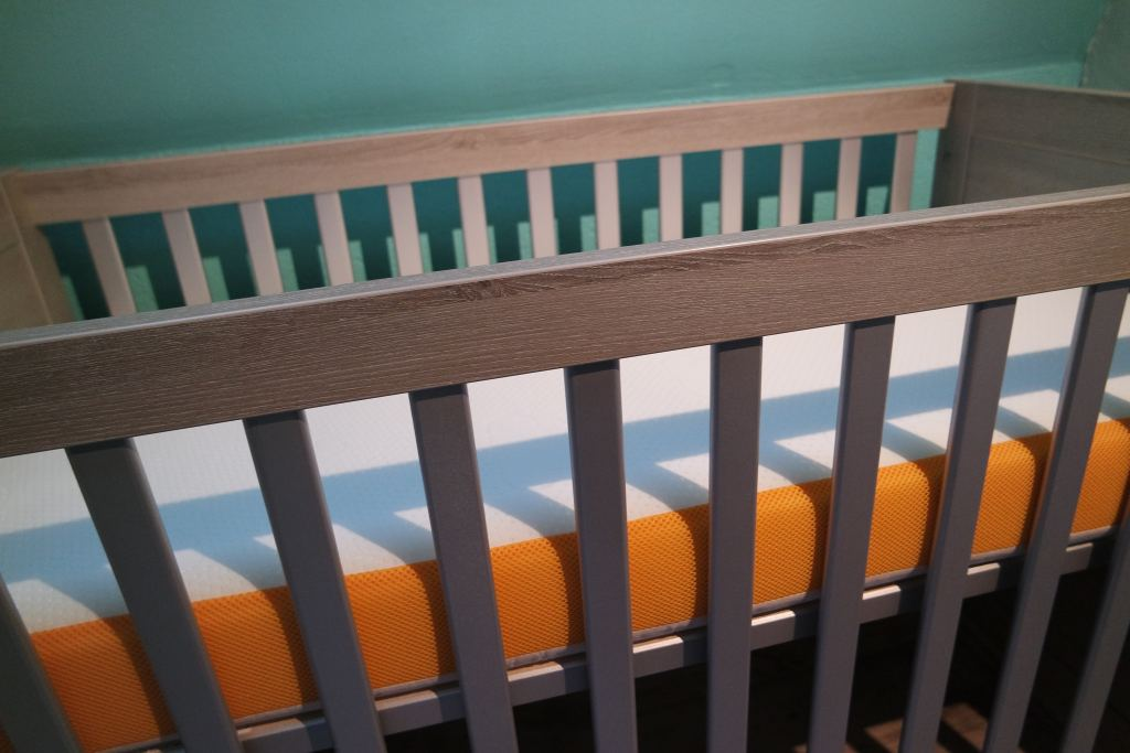 babybedje_matras_eve sleep_babymatras_zeeman_beddengoed_zwanger_baby_mamablogger_mamablog_bedje_opmaken_