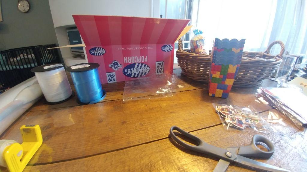 Milans Legotraktatie_mamablogger_lego_trakteren_AliExpress_budget_
