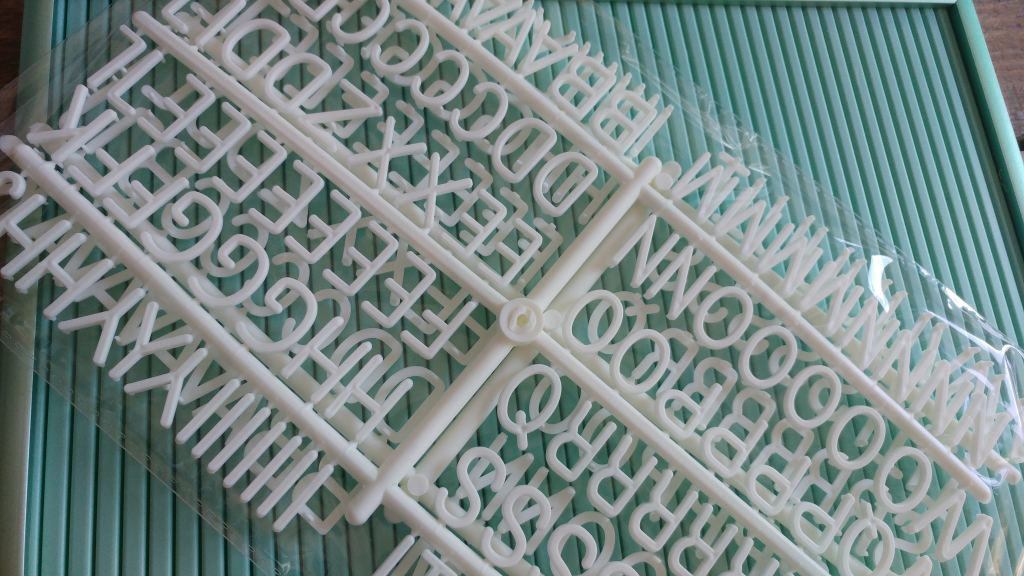 letterbord_hema_mint_zwart_mamablogger_interieur_letterborden_budget_tip_