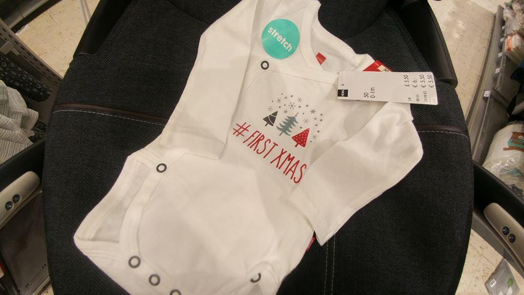 baby's eerste kerst_kleertjes_hema_foute kersttrui_kerstkleding_mamablogger_tip_kerst_marisca_babykleding