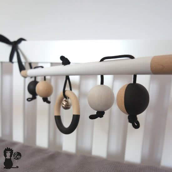 Sophie de Giraf_mamablogger_cadeau_baby_feestdagen_marisca_babygym_babytrapeze_
