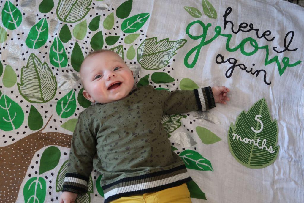 Floris_5 maanden_baby_mamablogger_Marisca_persoonlijk_