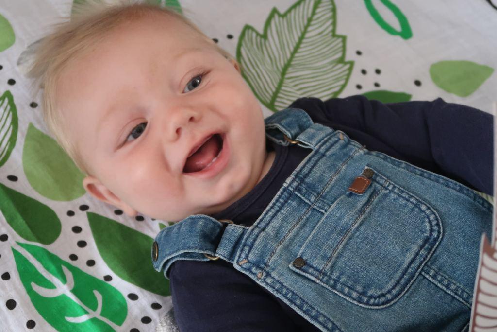 update_floris_8 maanden_baby_ontwikkeling_mamablogger_marisca_persoonlijk_gezin_