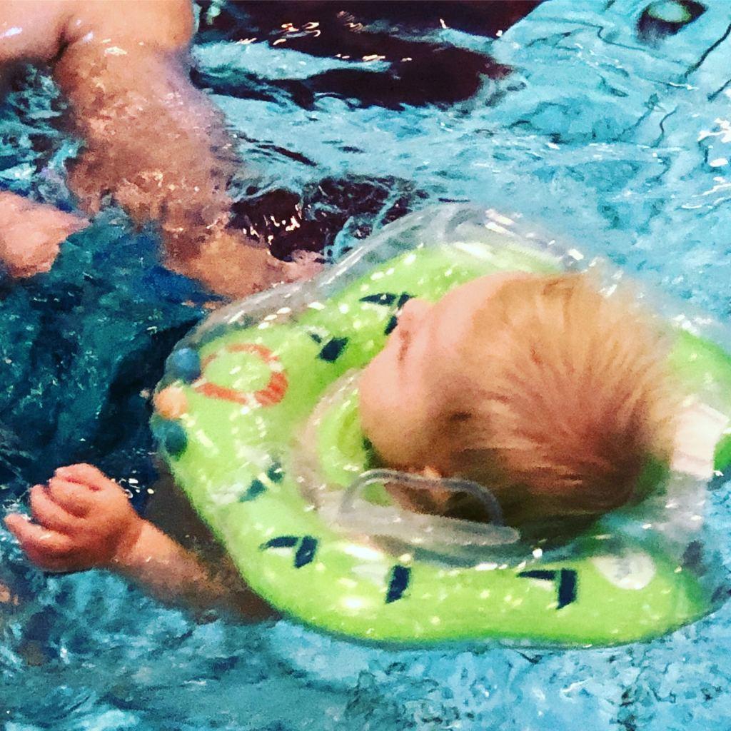 babyfloat_mamablogger_review_zwemmen_babyzwemmen_marisca_