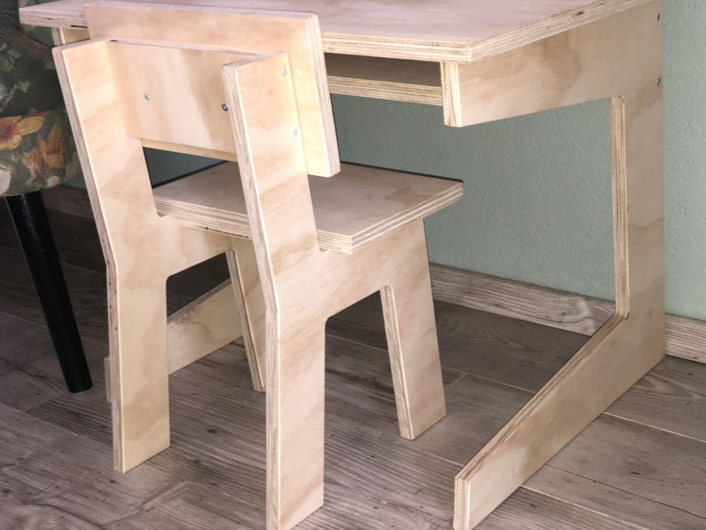 Box_eruit_schoolburreautje_aap_noot_mies_van stoer hout_mamablogger_interieur_zithoekje_Kwantum_alpaca_