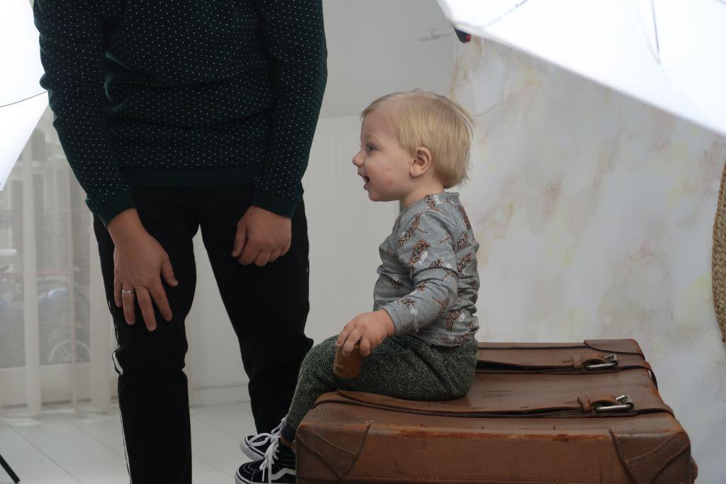fotoshoot_gezinsfoto_Snoez Fotografie_mamablogger_fotostudio_Dongen_