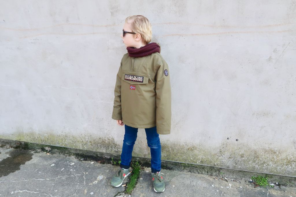 merkkleding_kinderen_belangrijk_basisschool_mamablogger_
