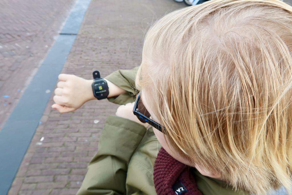connect go_one2track_GPS_horloge_telefoon_winactie_mamablogger_