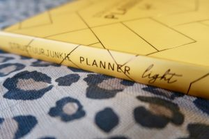 Structuurjunkie_planner_light_okergeel_Cynthia_mamablogger_review_