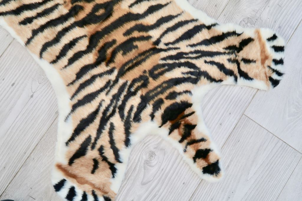 vloerkleed_look-a-like_doing_goods_kinder vloerkleed_mamablogger_kruidvat_tijger_panter_zebra_