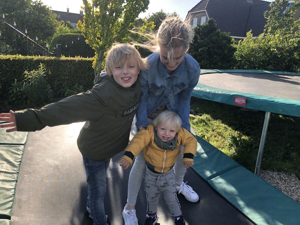Een trampoline in de tuin? Hier moet je aan denken