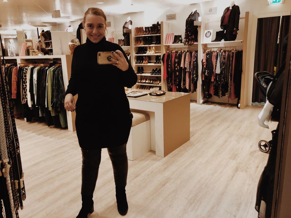 Moms Outfits | Ik heb flink voor mijzelf geshopt… Een tas, schoenen en veel kleding!