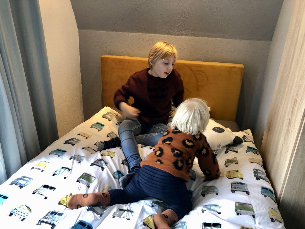 bed_jongenskamer_Milan_tienerkamer_make-over_boxspring_bosch bedding_mamablogger_