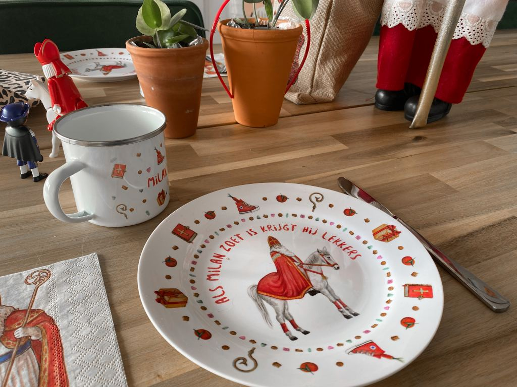 mies to go_Sinterklaas_servies_emaille_mamablogger_2020_