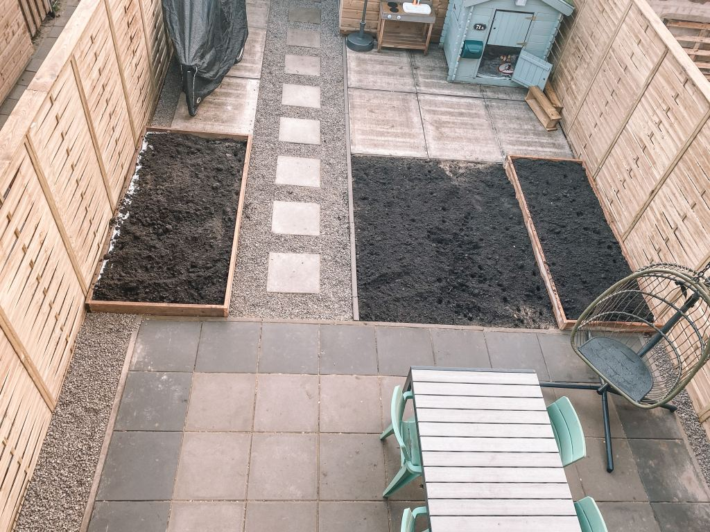 Huis & Tuin | De tuin en oprit zijn aangelegd!