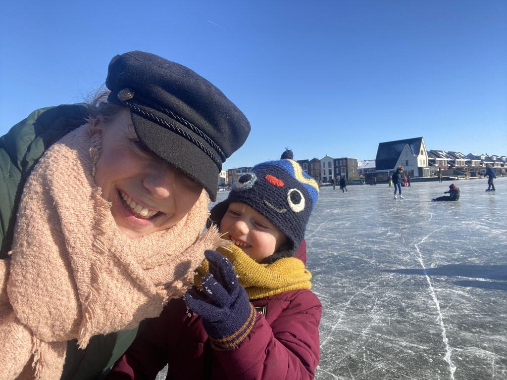 Diary | Buikpijnen, de kinderen weer naar school, schaatsen en mijn eerste podcast aflevering
