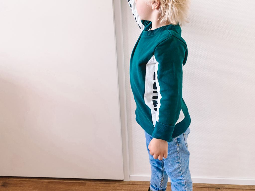 Floris' outfits_mamablogger_kinderkleding_spijkerbroekjes_
