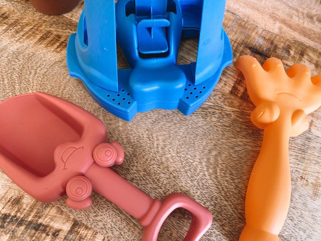 traktatie_bootjes_Zeeman_zand_water_speelgoed_buitenspeelgoed_budgettip_mamablogger_